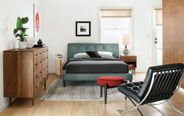 roomboard-teal-tufted-bed